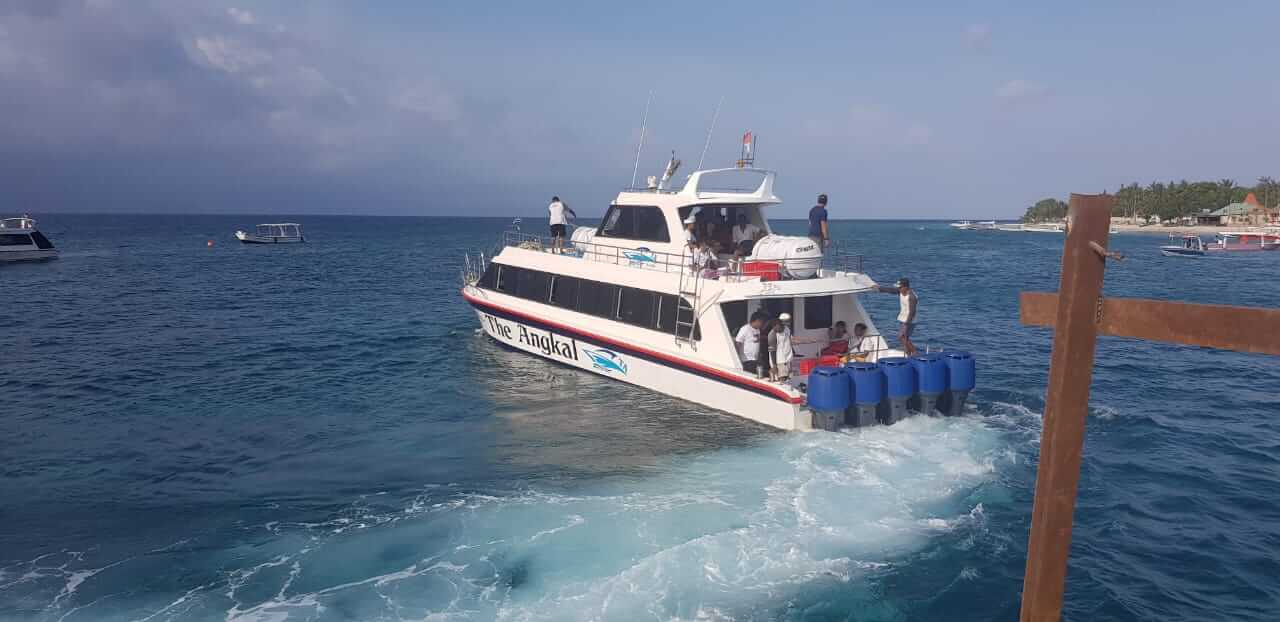 cheap price ticket to nusa penida with the angkal fast boat