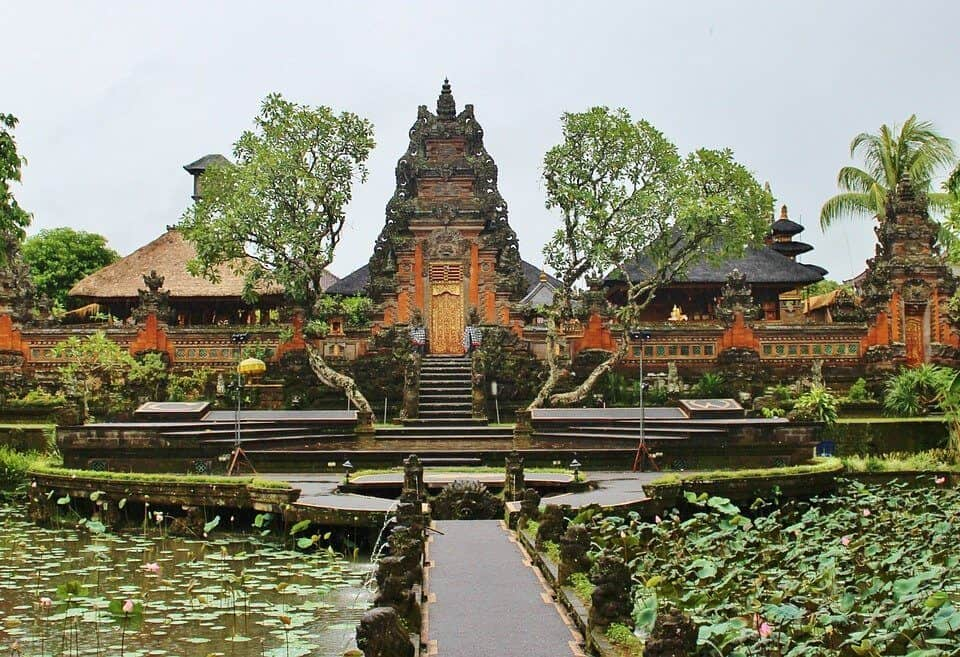 how much doest a taxi cost to ubud area