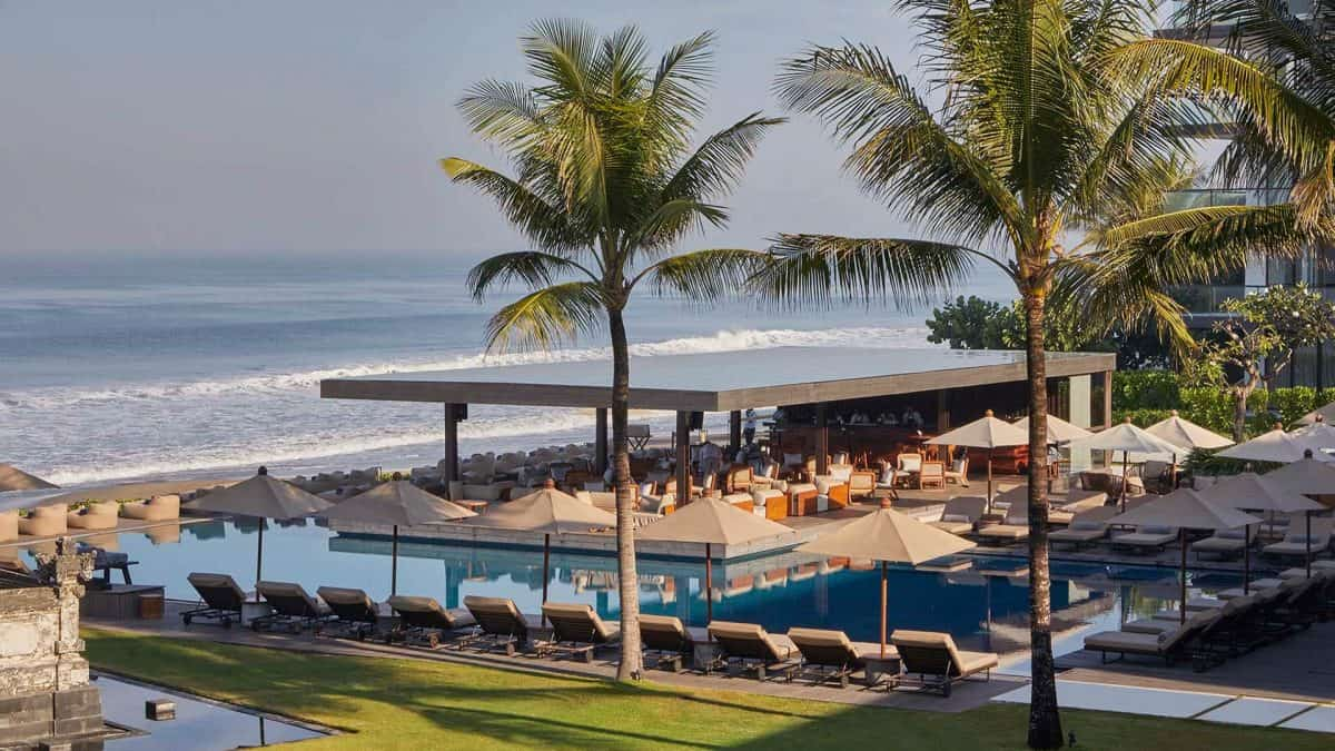 how much is a cost for airport transfer to alila seminyak